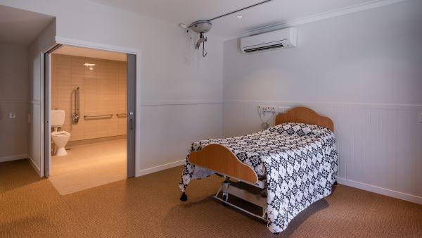 WesleyCare Maroochydore bedroom